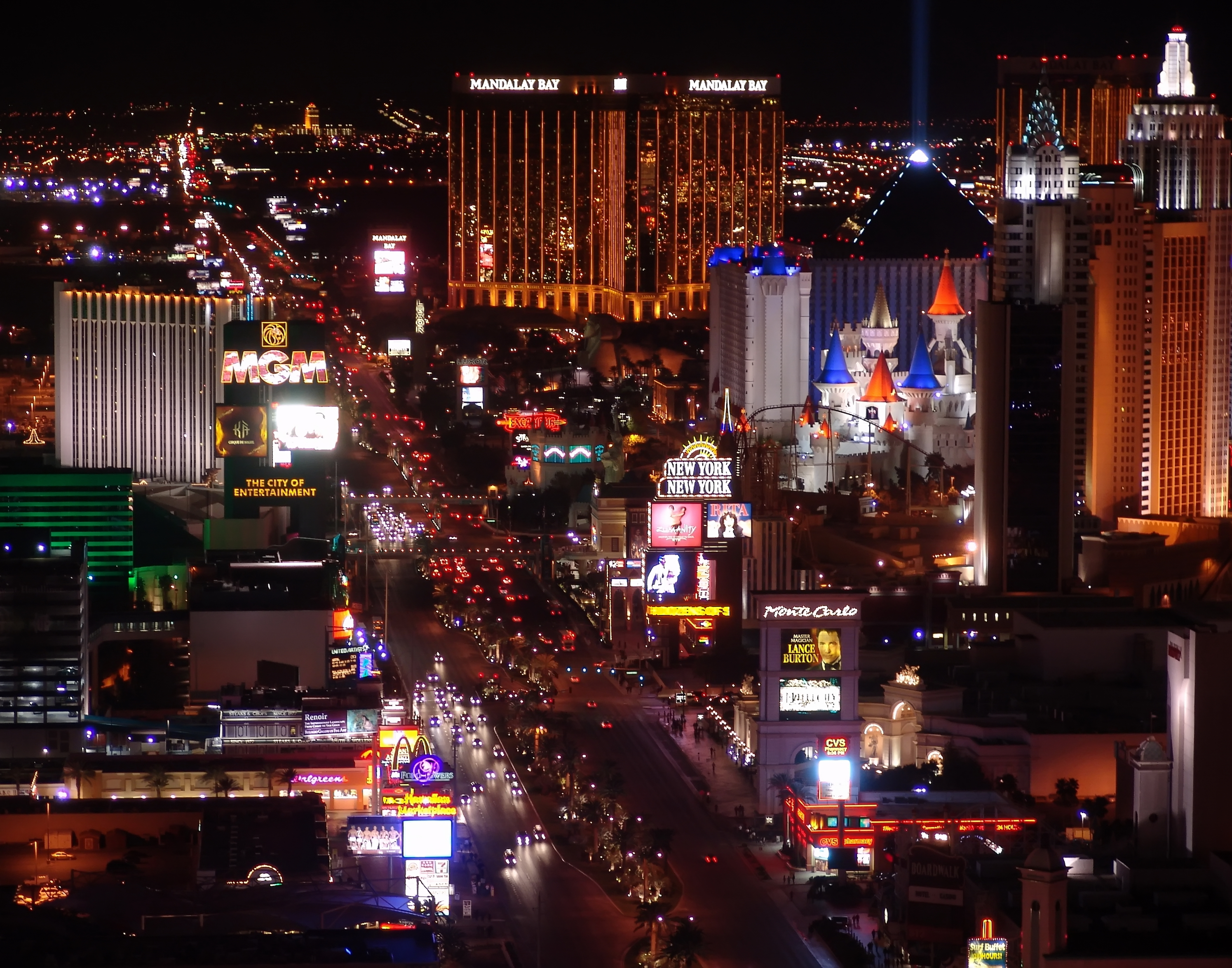 http://blog.blissker.com/wp-content/uploads/2016/08/bigstock-Las-Vegas-Night-Panorama-4323463.jpg